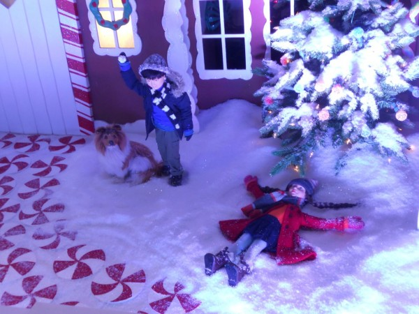 Detail, Lord and Taylor Holiday window