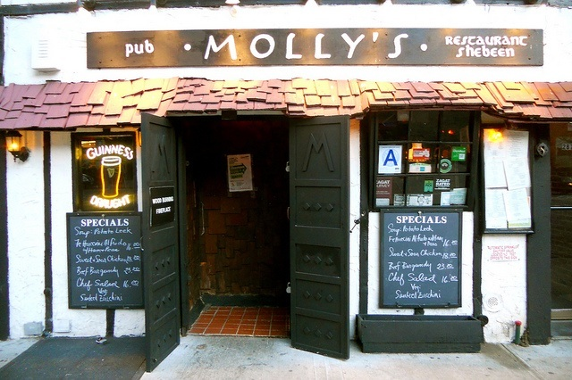 Molly's, an Irish pub in NYC