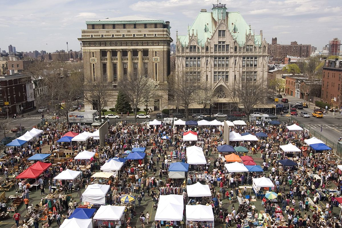 The Brooklyn Flea | Photo By Evanscott7 - Own work, CC BY-SA 3.0, https://commons.wikimedia.org/w/index.php?curid=17194909